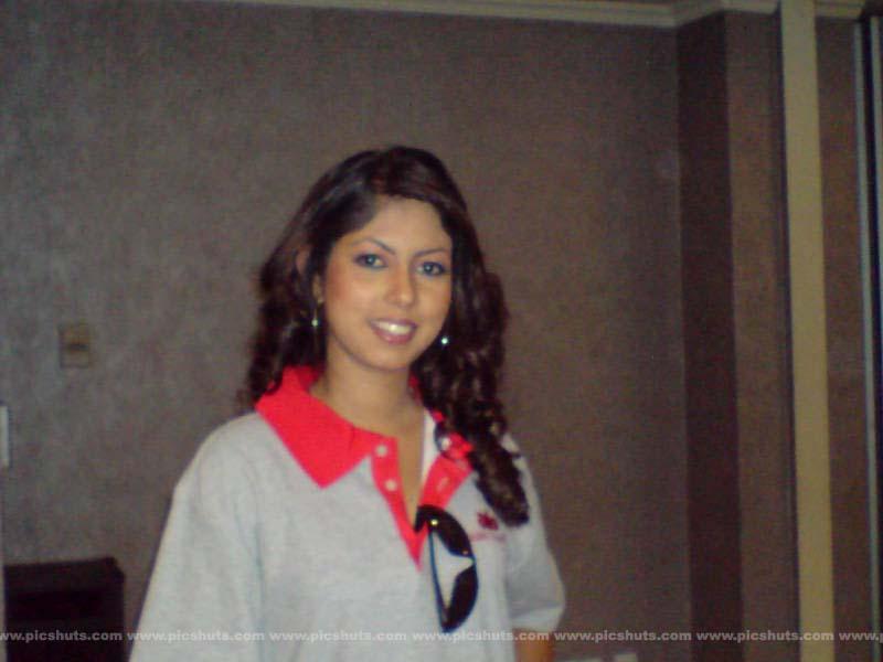 [Rasangika_Madushani_19_asiachicks.blogspot.com.jpg]