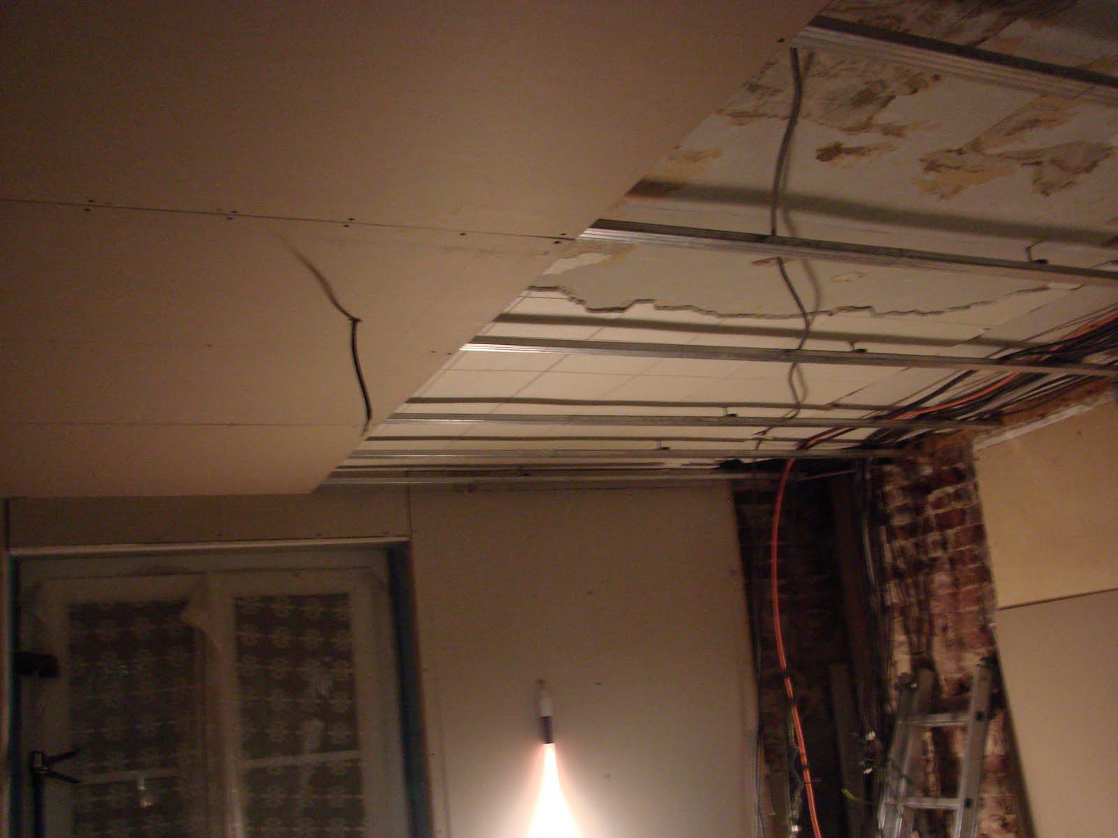 Bouliwan fait sa maison for Plafond suspendu ba13