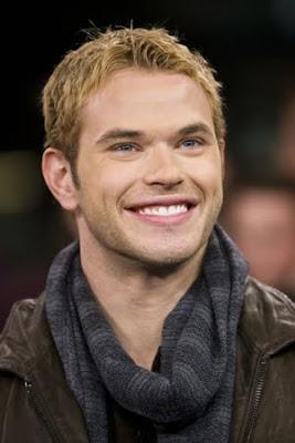 http://3.bp.blogspot.com/_Fr5jtSt05Hg/SyY62UlxWaI/AAAAAAAAQfw/hiaNhu3tAaA/s400/Kellan+Smile.jpg
