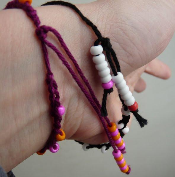 et j 39 ai trouv le noeud coulant des bracelets vous savez le fil bleu est celui qui ne bouge. Black Bedroom Furniture Sets. Home Design Ideas