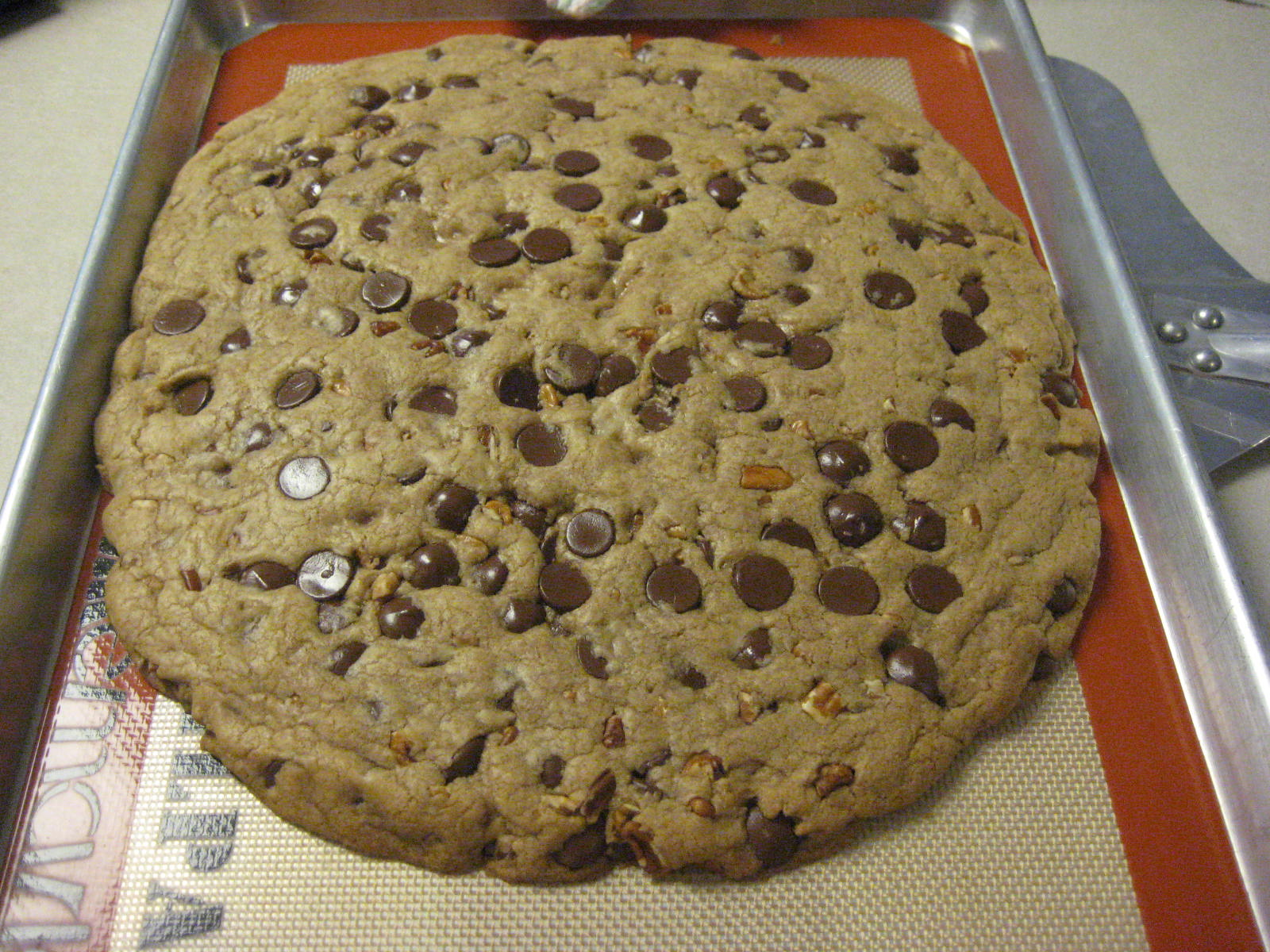 Midwest Baker: The Giant Cookie
