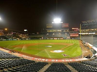 http://3.bp.blogspot.com/_Fug5nS6G78I/THiwFqyOqGI/AAAAAAAAFGY/_kjW7613Vxs/s1600/Angels+Stadium+Dark.jpg