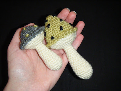 free crochet patterns: shroomie friends :)