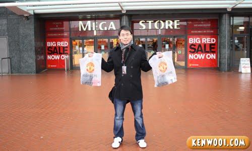 manchester united mega store