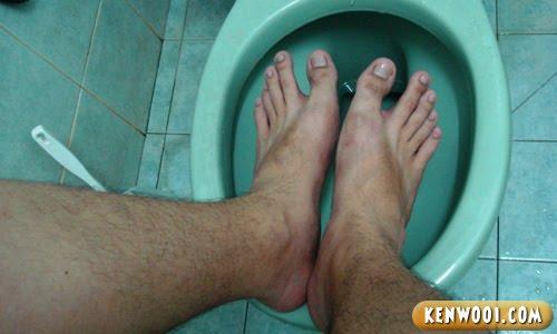 legs toilet bowl