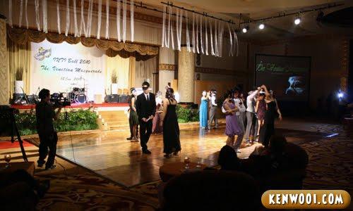 inti ball dancing