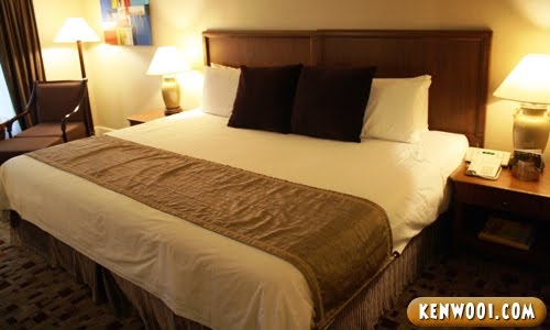 hotel nikko king size bed