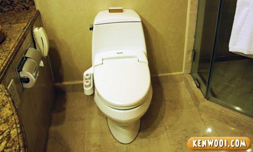 hotel nikko toilet bowl