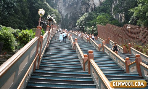 batu caves steps up