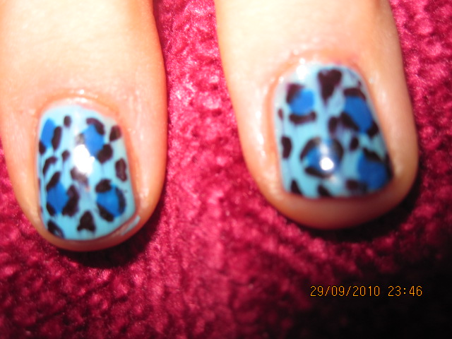 how to do animal print nails. these leopard print nails,