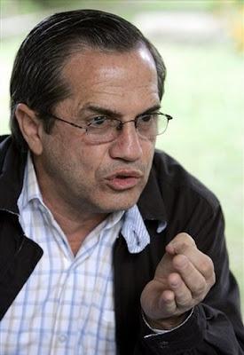 Según el presidente de Ecuador, la economía de su país creció casi un 0,4% en el 2.009