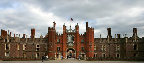 hampton palace court