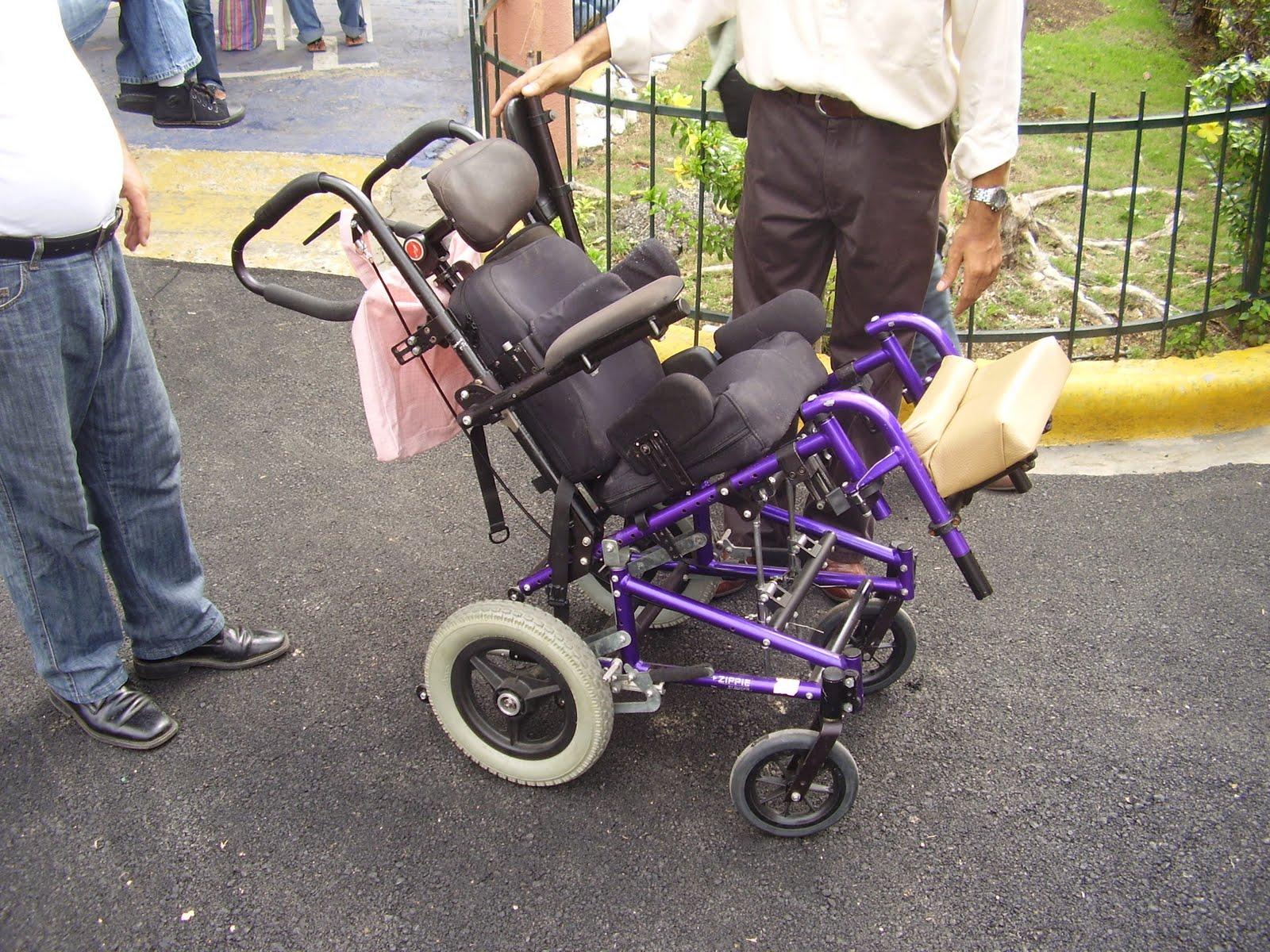 Blog de fundepedi entregan sillas de ruedas especiales a fundepedi - Minos sillas de ruedas ...