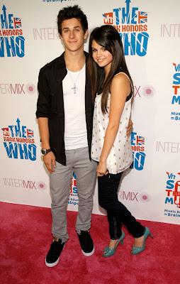 foto de David Henrie con Selena Gomez