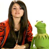 foto de Selena Gómez y Kermit