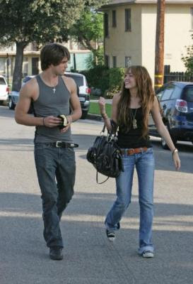 Justin Gaston y Miley Cyrus