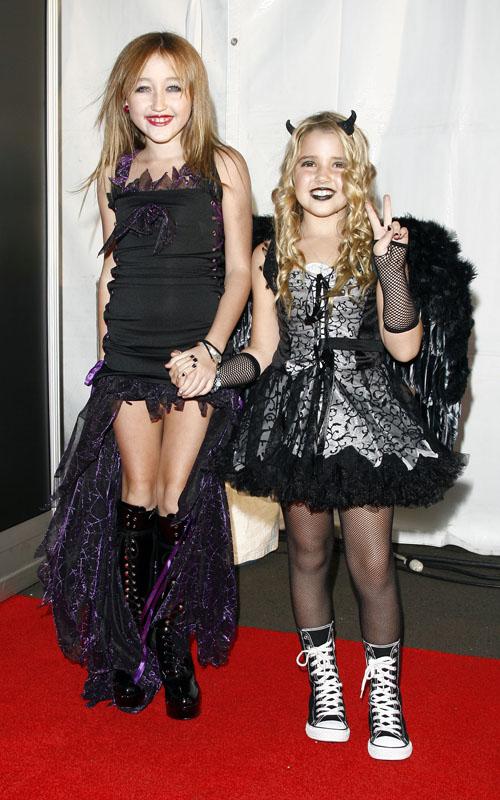Noah Cyrus también celebra Halloween fashion jewellery sloggi prom prom dresses large women bras