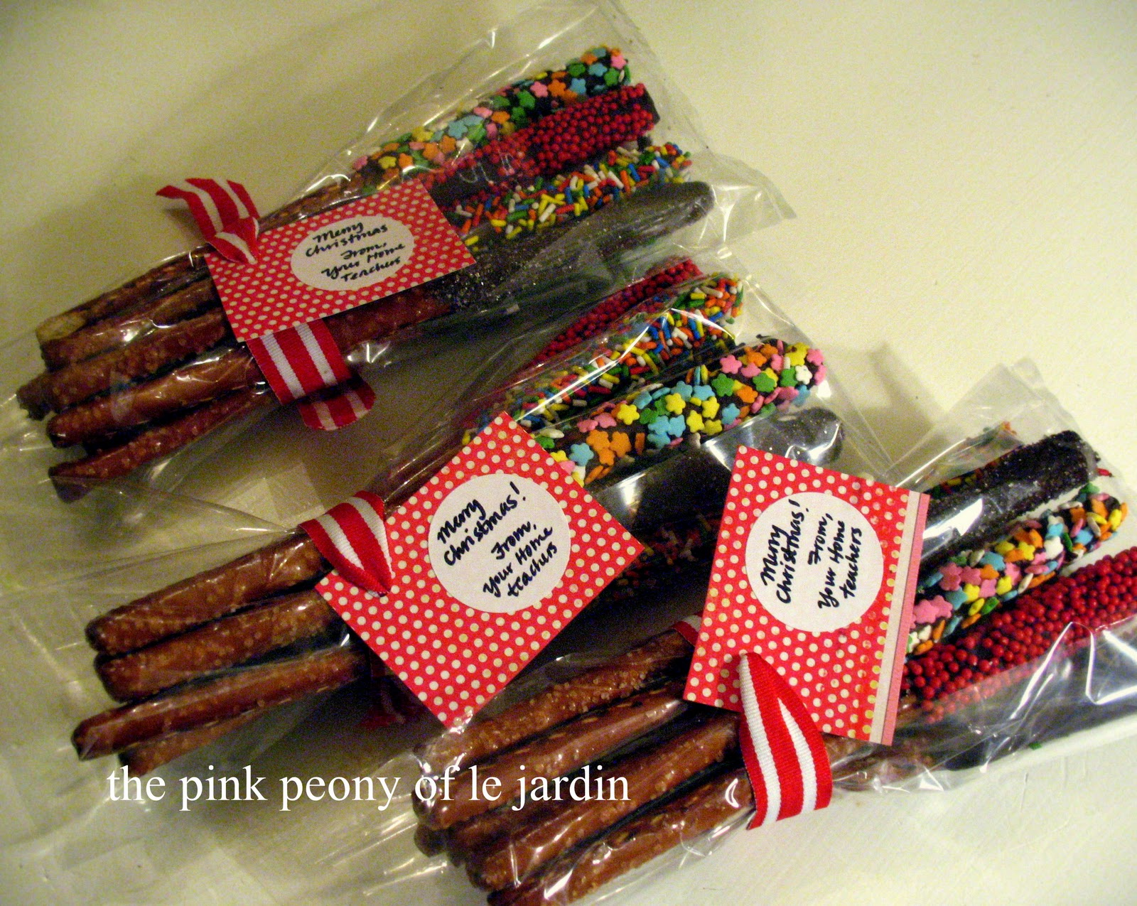 The Pink Peony of Le Jardin: ~Chocolate Covered Pretzels Recipe~