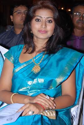 sneha-sineha-sneka-snega-tamil-telugu-homely-smile-queen-actress-saree-sari