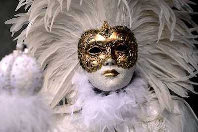 Carival-of-Venice-masks-costumes-festival-disguise-Italy