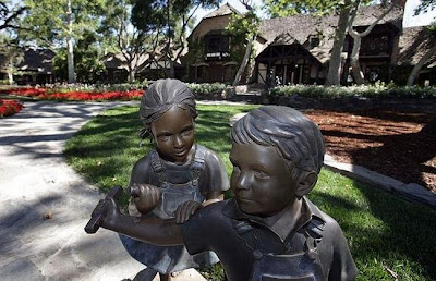 neverland ranch 51 Neverland, kediaman Michael Jackson