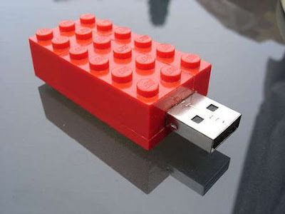 Fantastic USB Flashdrives in Unusual Shapes