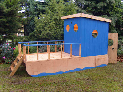 Childs House Boat Playhouse