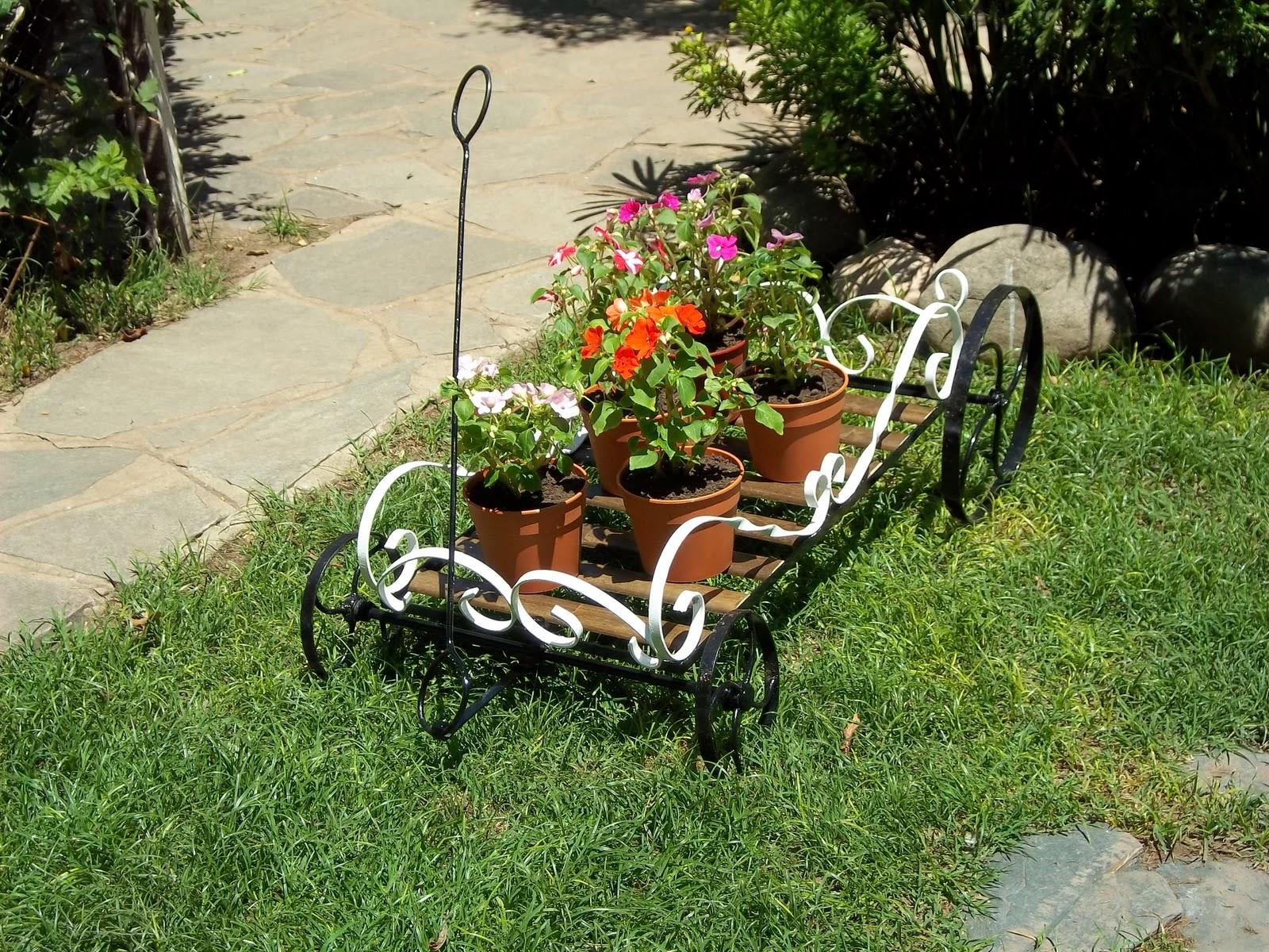 Herreria artistica articulos de jardin for Accesorios de jardin