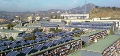 paneles solares fotovoltaicos en cementerio