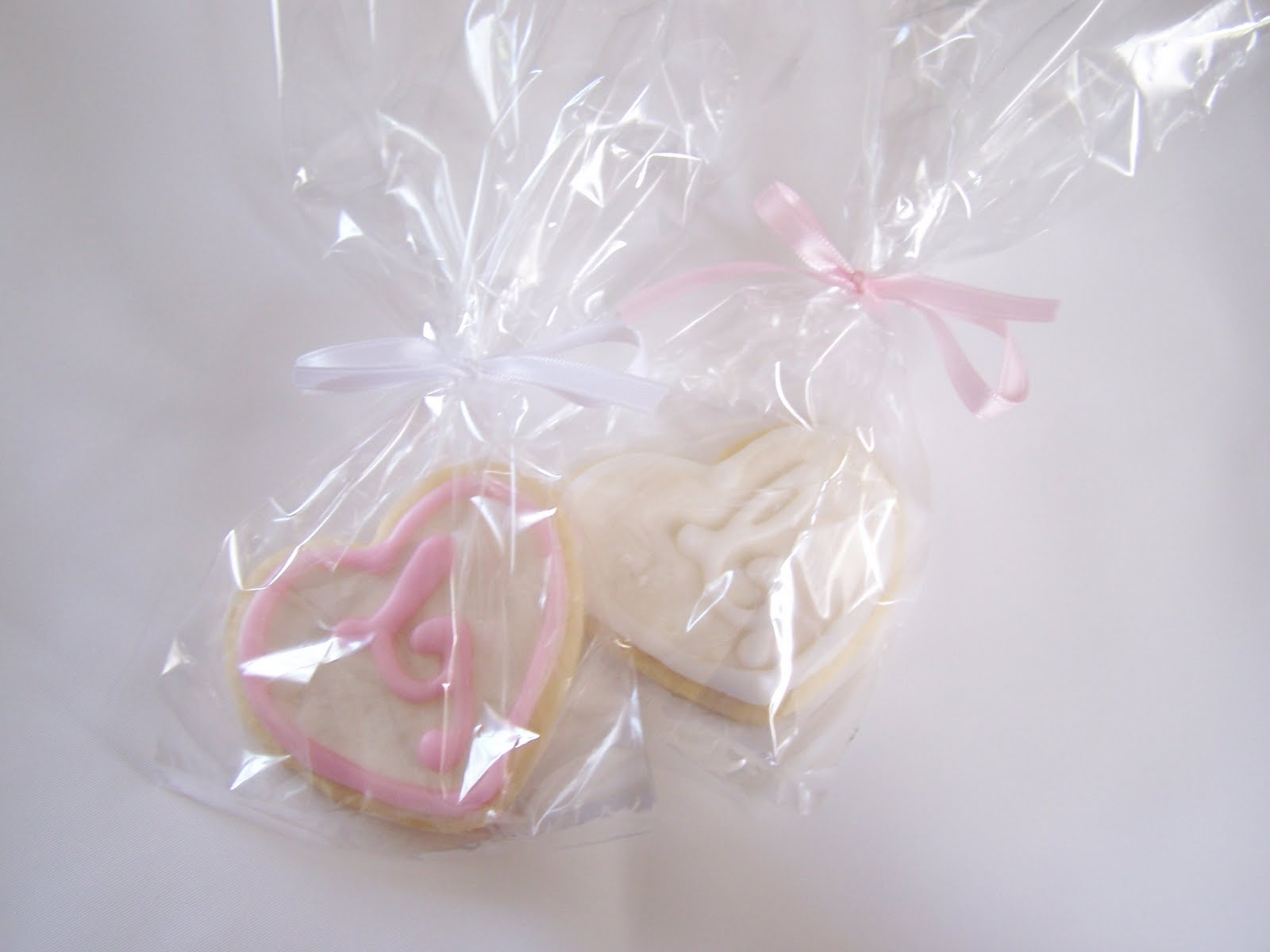 Julie Daly Cakes: Wedding Cookie Favors
