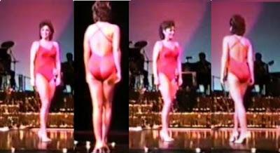 Sarah Palin Bikini Shot 37