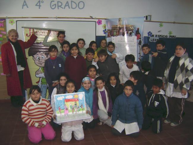 Alumnos de 4to A de la Escuela Municipal Molinari Romero