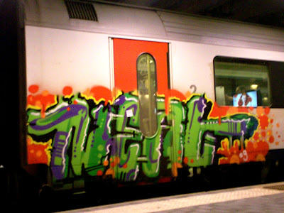 spray paint graffiti