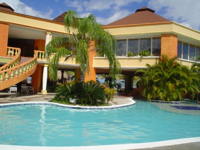hotel ceiba honduras: