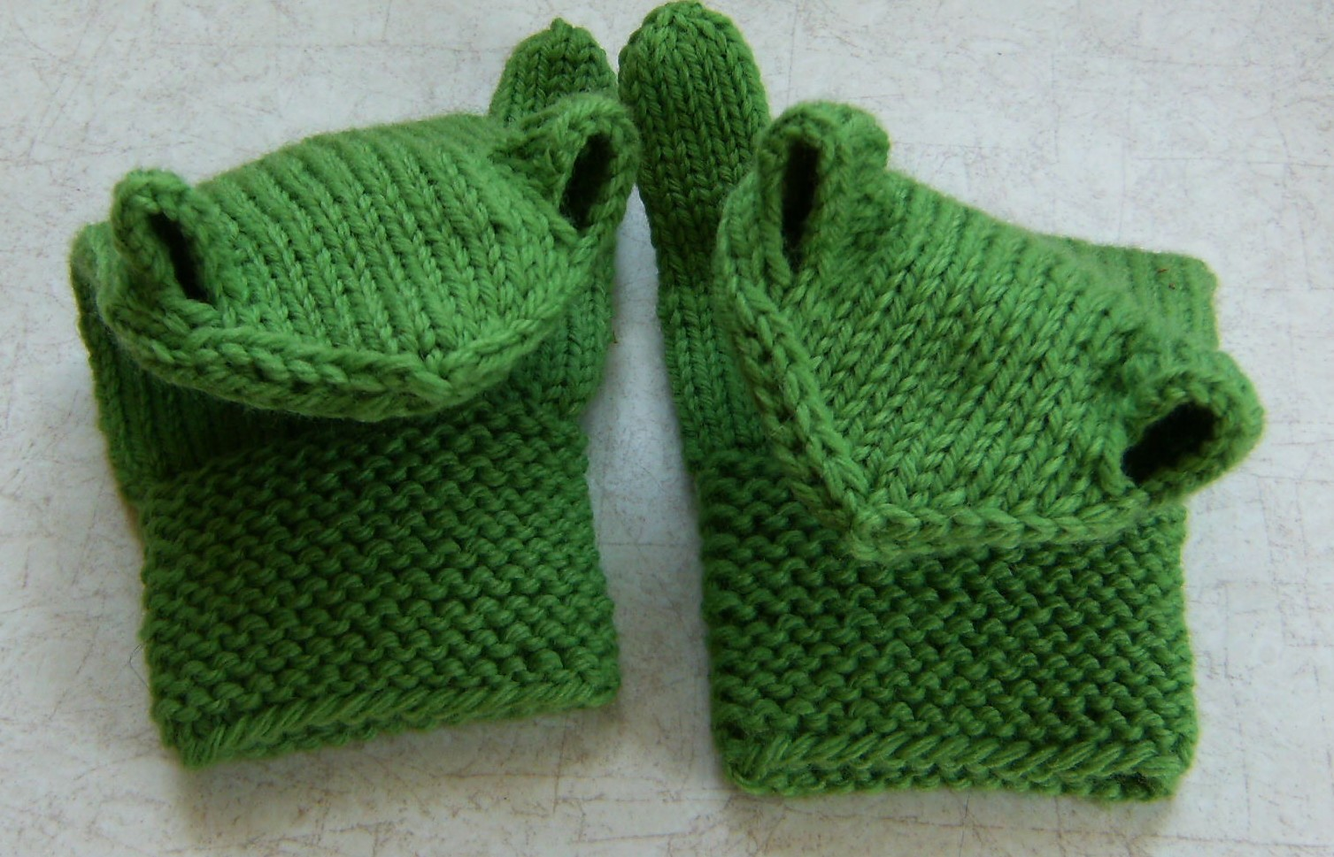 Frog Knitting Patterns : Down Cloverlaine: Micahs Frogs