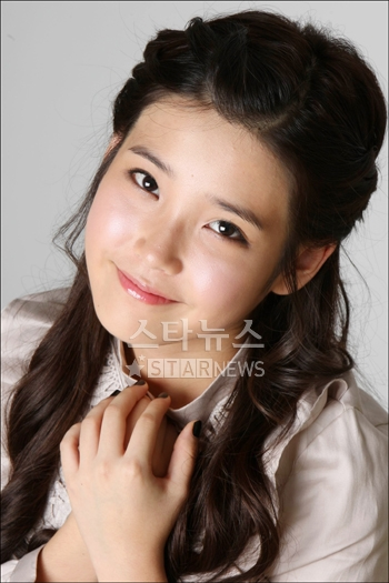 iu is soo pretty/cute. im jelly.. mucho