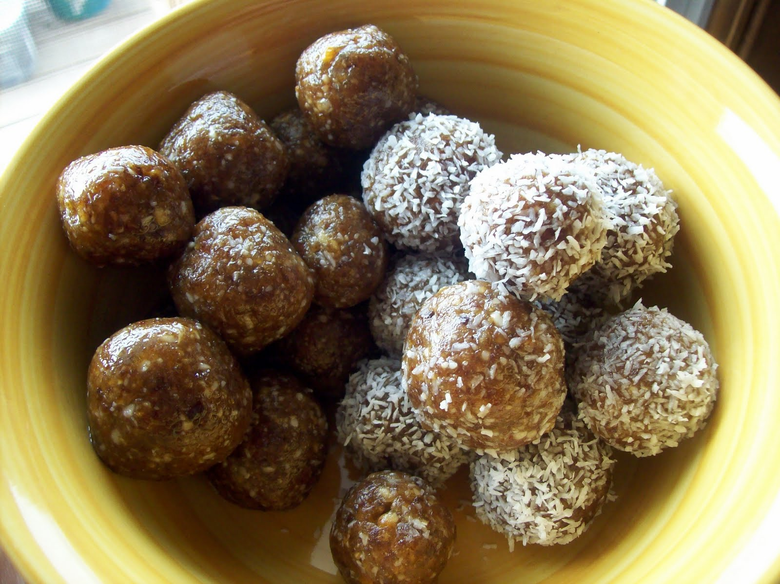 Date macadamia balls fill your real foods candy bowl