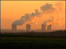 Les réfrigérants de la centrale nucléaire de Cattenum. Document Miyoo.