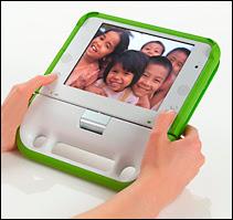 Le portable OX en configuration 'livre' ou 'album photo', c'est-à-dire lorsque l'écran est rabattu sur le clavier.