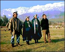 Les Mapuches vivent au Chili et en Argentine, en particuleir sur les hauts plateaux de Patagonie.