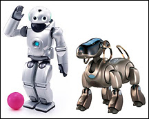 Les robots ludiques QRIO et AIBO de Sony.