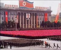 Parade du régime totalitaire de Corée du Nord.