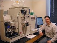 L'appareil qui permit à John Asari d'analyser les protéines de T.rex.