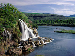 Landscape-Fall-Creek-Falls-and-Snake-River-Idaho