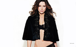 Top 10 Hot Wallpapers of Kate Beckinsale