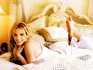 HOT MODELING WALLPAPERS OF BRITNEY SPEARS
