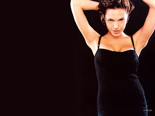 ANGELINA JOLIE BLACK DRESS MODELING PICS
