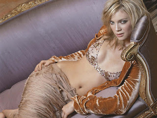 AMY SMART MODELING PICS IN BEAUTIFUL DRESS