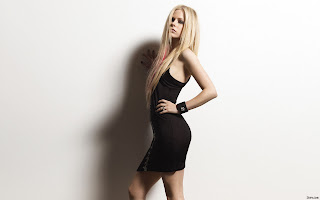 CANADIAN SINGER-ACTRESS AVRIL LAVIGNE BLACK DRESS PHOTO SHOOT PICTURES