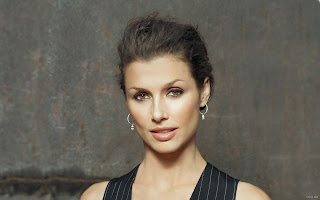 AMERICAN MODEL BRIDGET MOYNAHAN BEAUTIFUL PIC